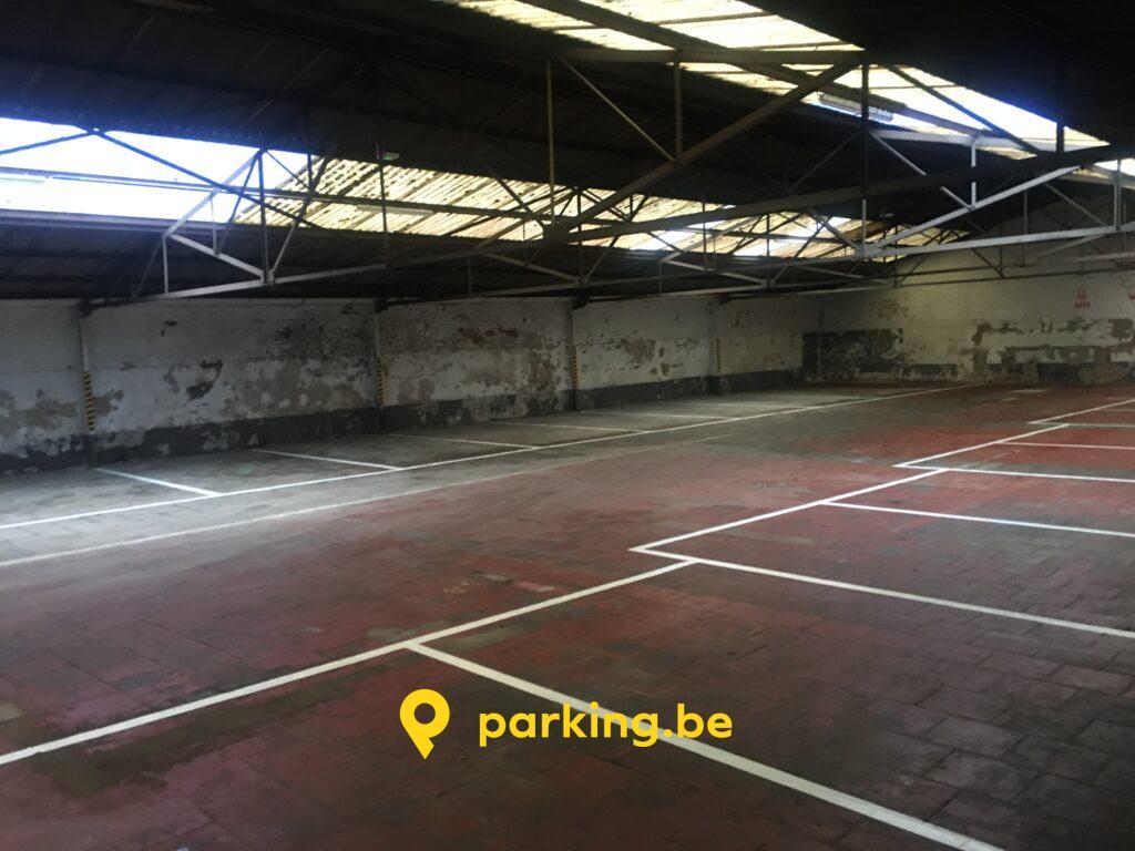 parking-a-louer-place-jourdan-etterbeek-salle-entrepot