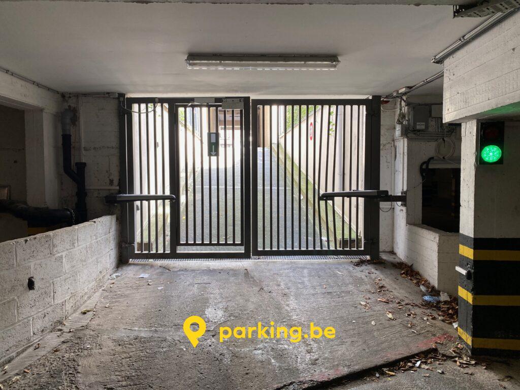 parking-cimetiere-ixelles-ulb-location-grille.jpeg
